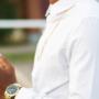 Reloj dorado para hombre, cómo combinarlo