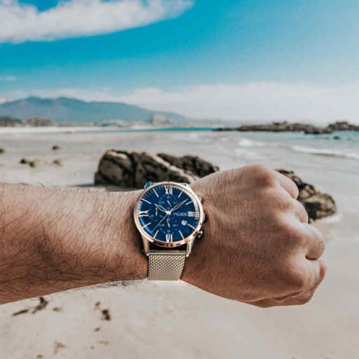 Reloj azul para hombre, la tendencia del momento.